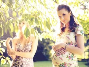 妊娠中でも楽しく簡単に!スキンケアと妊娠線マッサージ