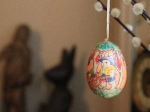街中でお祝いモード! 春の一大イベント「復活祭」
