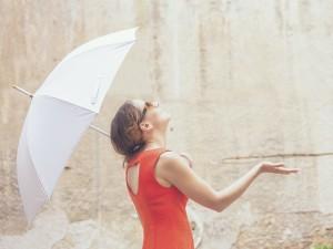 雨の日は痩せチャンス! 梅雨時の運動不足を解消するお家エクサ3選