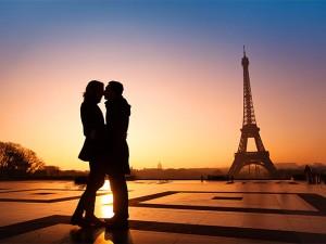 お手本はフランス女性! 秋の夜長に…愛が深まる恋愛映画
